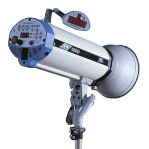 Buy Versalight D-1000 Monolight, 1000 Watt Second Digitally Controlled Strobe. Product photo