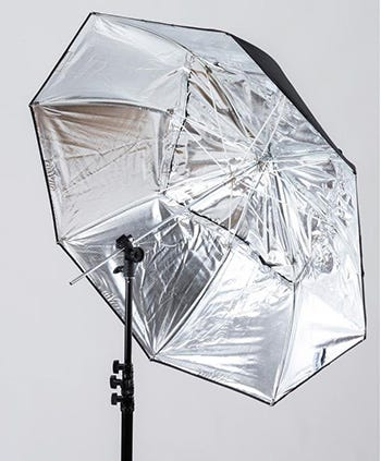 How To Use Umbrella Lights Beauteous Softbox Vs Umbrella Which One Should You Use Expert Photography