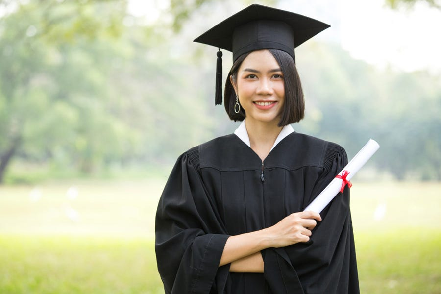 10 Graduation Photography Tips | Expert photography blogs, tip ...