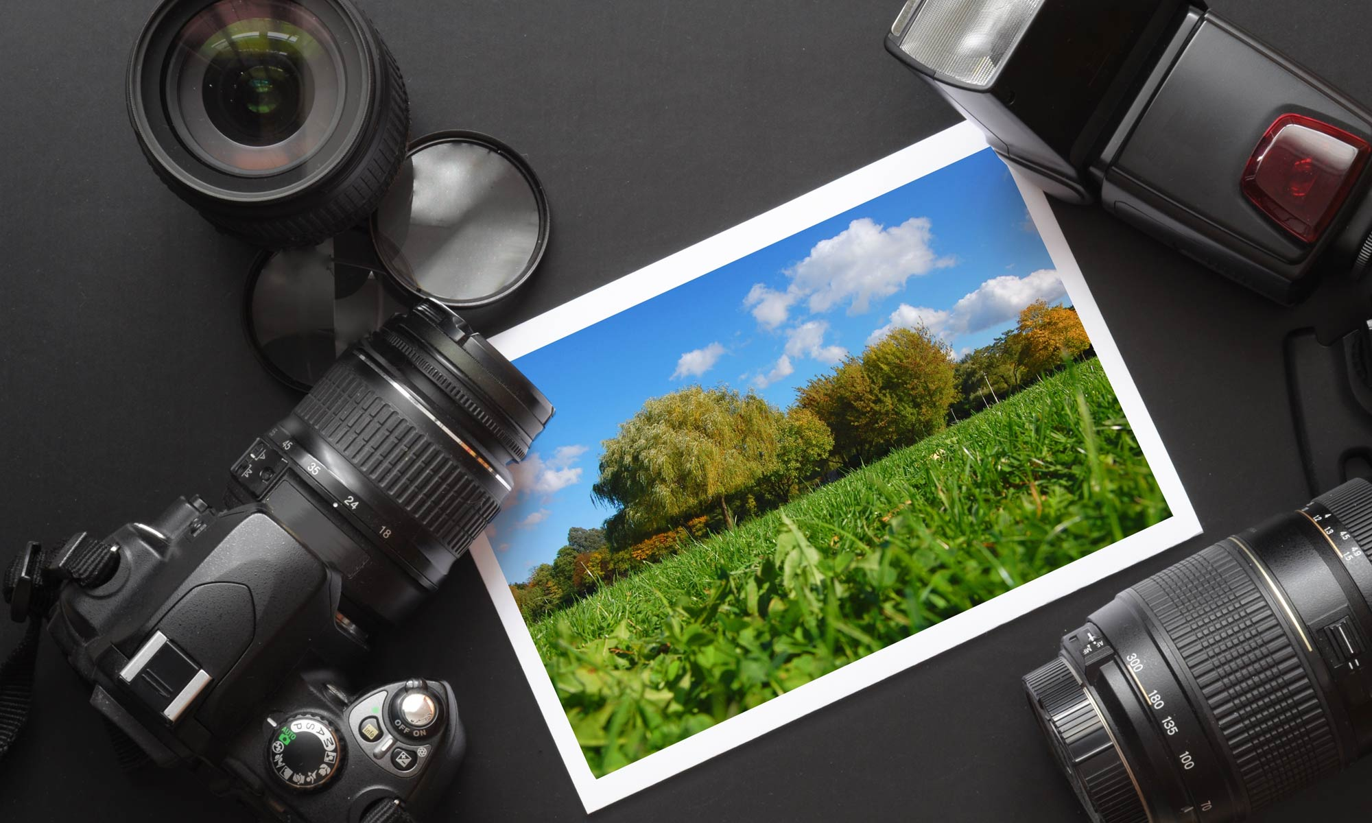 Nikon D5300 Advanced Beginner Dslr Guided Tour Expert Photography Kamera Lensa Kit Af S 18 55mm Vr Ii Camera Lens And Image On Black Background