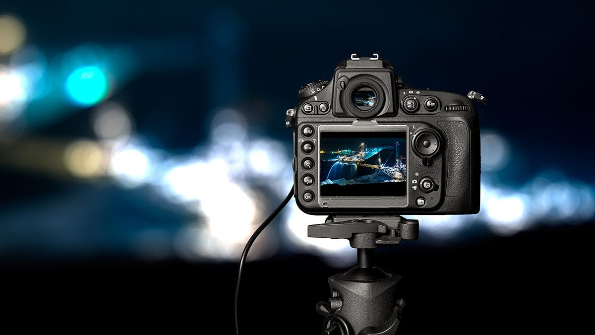 Best Mid-Range DSLR Cameras | Expert photography blogs, tip ...