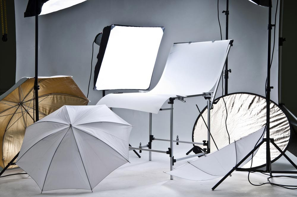 Buying Guide Best Studio Lighting Equipment for Beginners on a Budget. Gear Photo & Affordable Lighting Equipment Every Photographer Should Own | Expert ...
