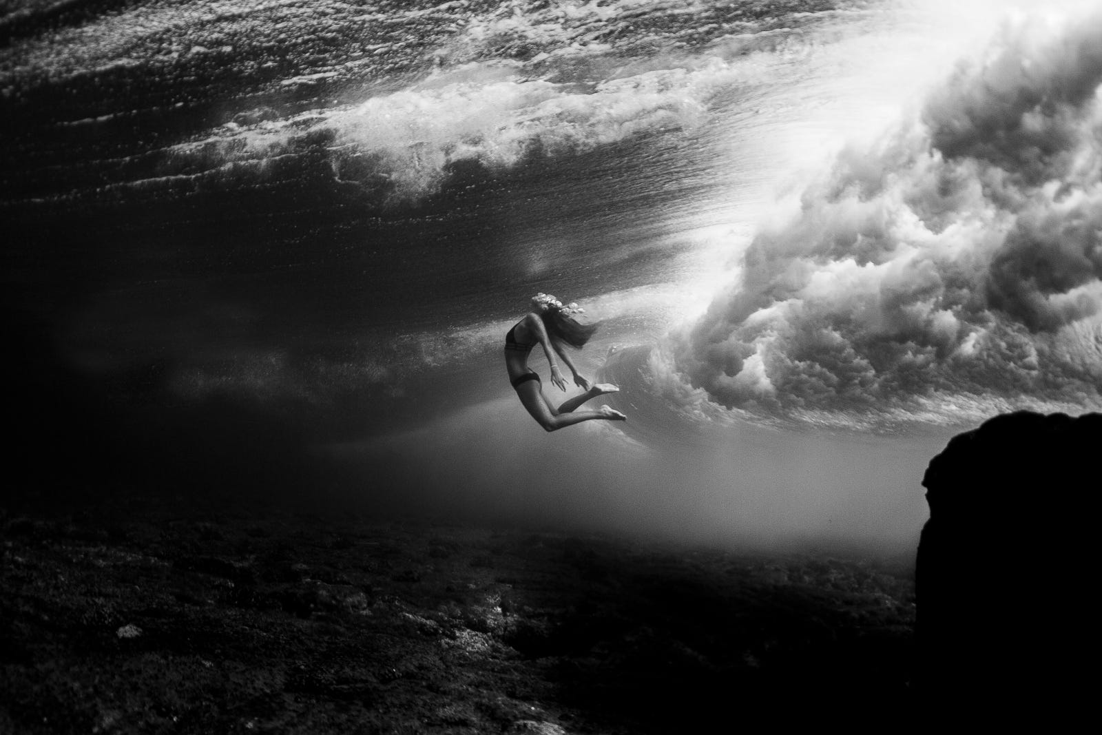 Meet A Pro Sarah Lee Artist Of The Deep ALC - Amazing black white underwater photography