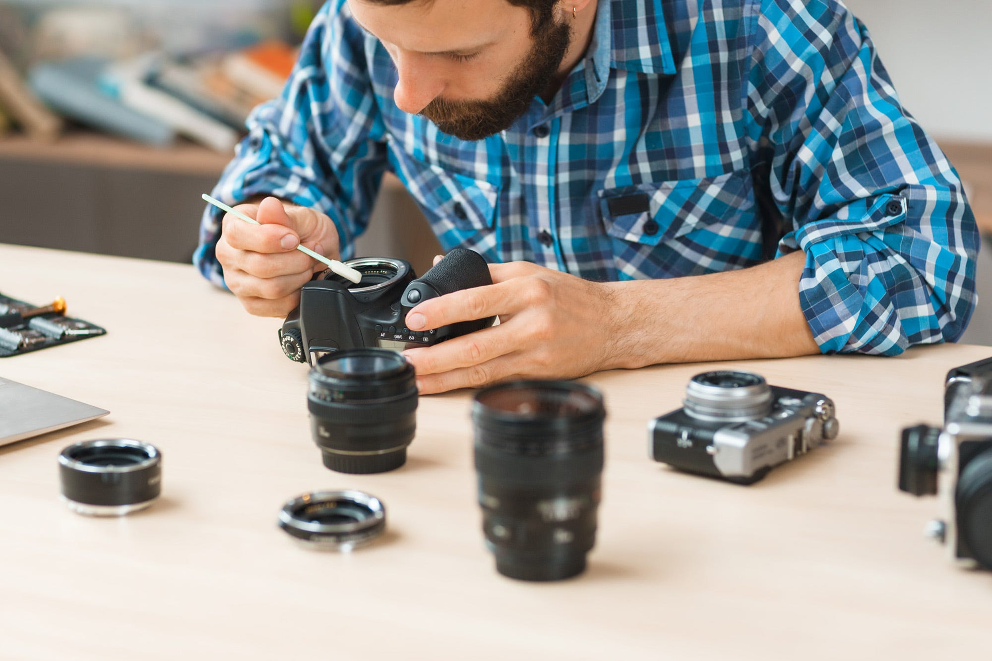 how to clean mirrorless camera sensor
