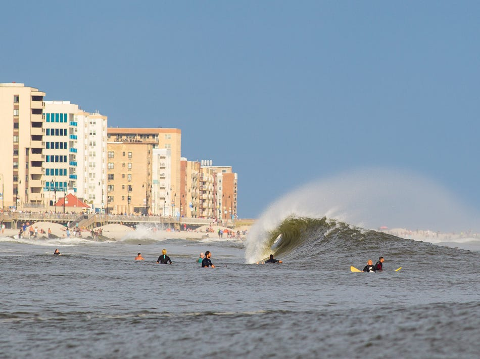 Long Beach Shot With Canon 1d 300 Mm 2 8 Is Iso 200 1 1000 F6 3 Shutter Priority Mode Photo By Mike Nelson Ny