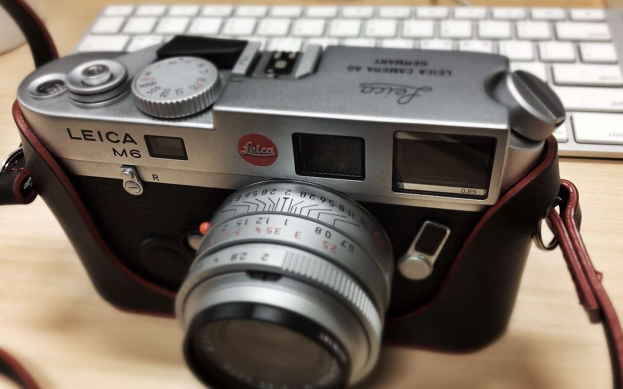 5 Best Leica Cameras for Beginners - ALC