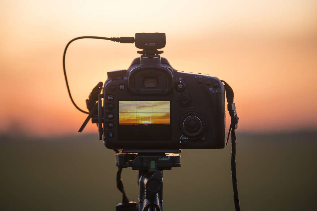 Mirrorless Vs Dslrs How Do They Compare In 2016 Expert