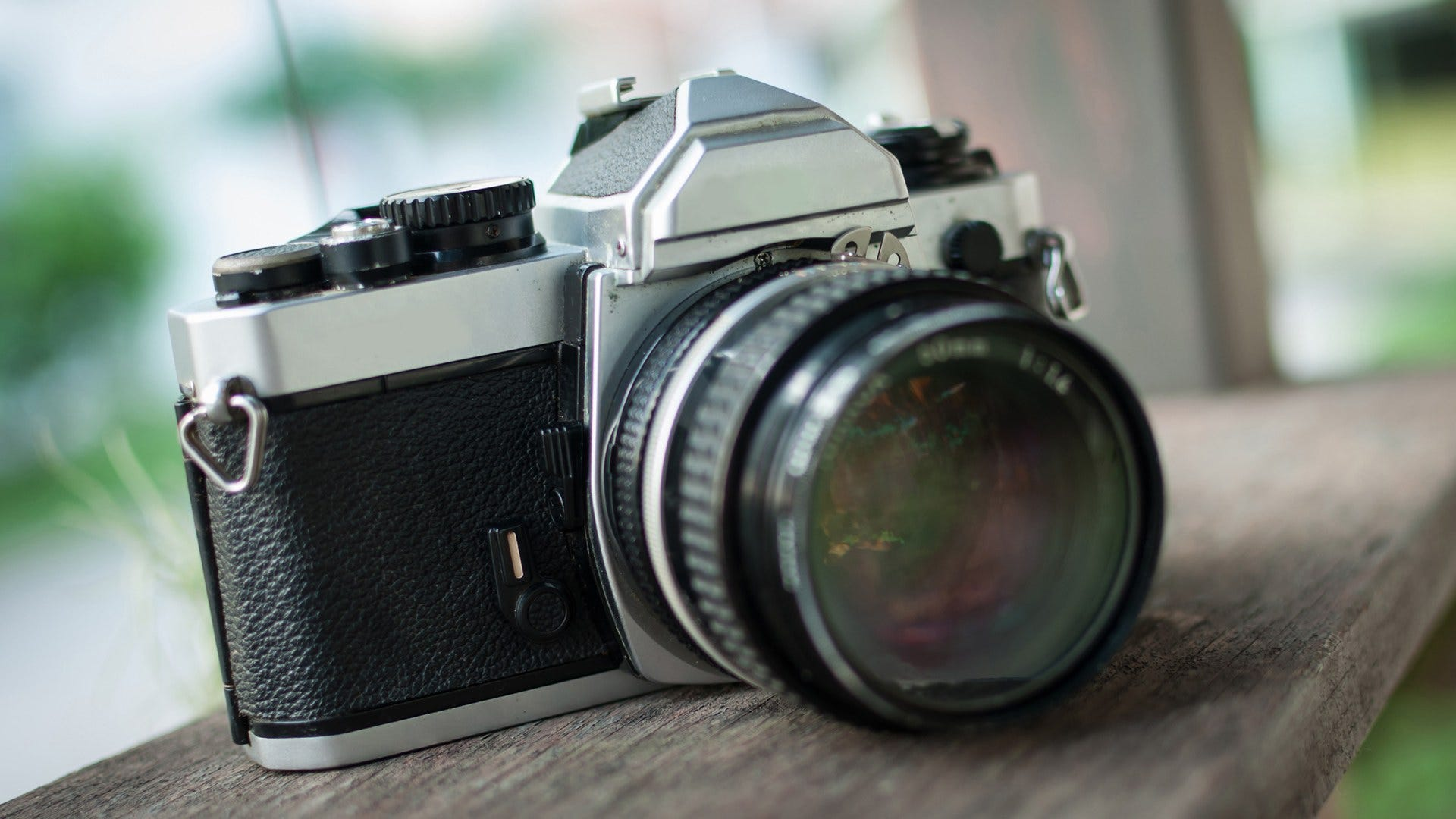 5 Best Film Cameras That You Can Purchase Brand New
