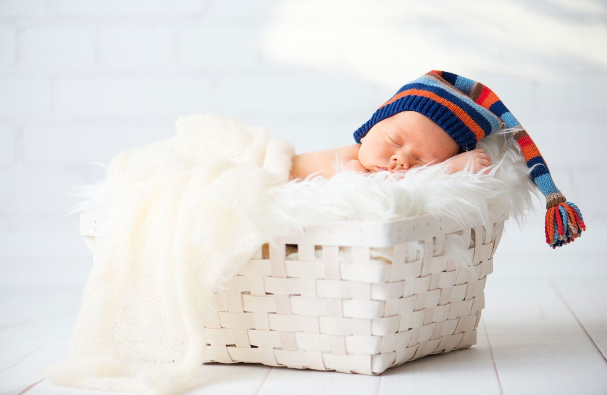 Best Lenses for Newborn Photography - ALC