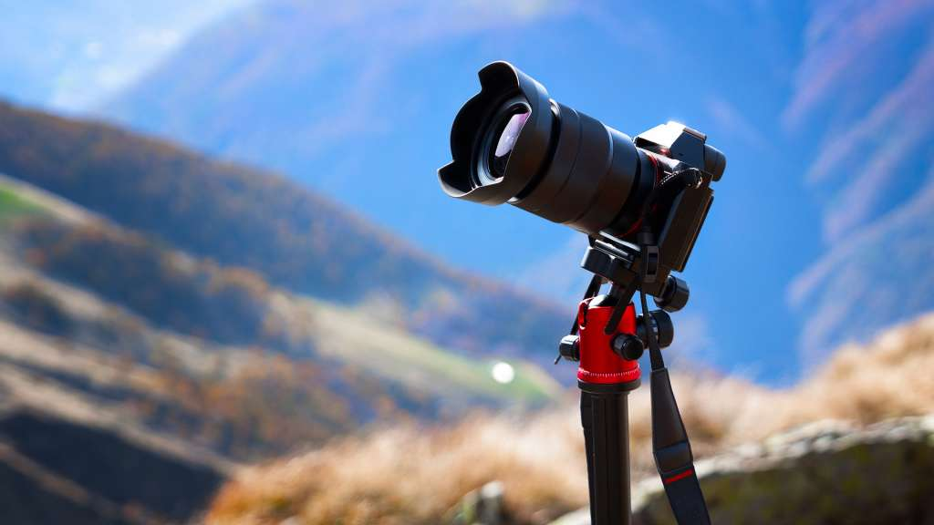 6 Best Mirrorless Cameras for Travel Photography - ALC