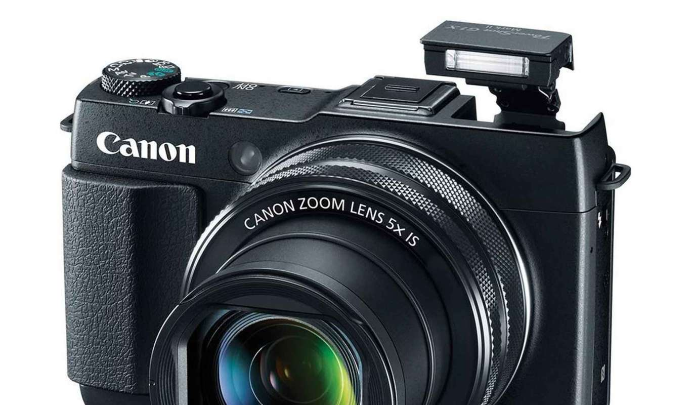 top 5 collectible digital cameras that actually take great pictures rh adorama com Ricoh M-mount GXR A12 Ricoh GXR Camera