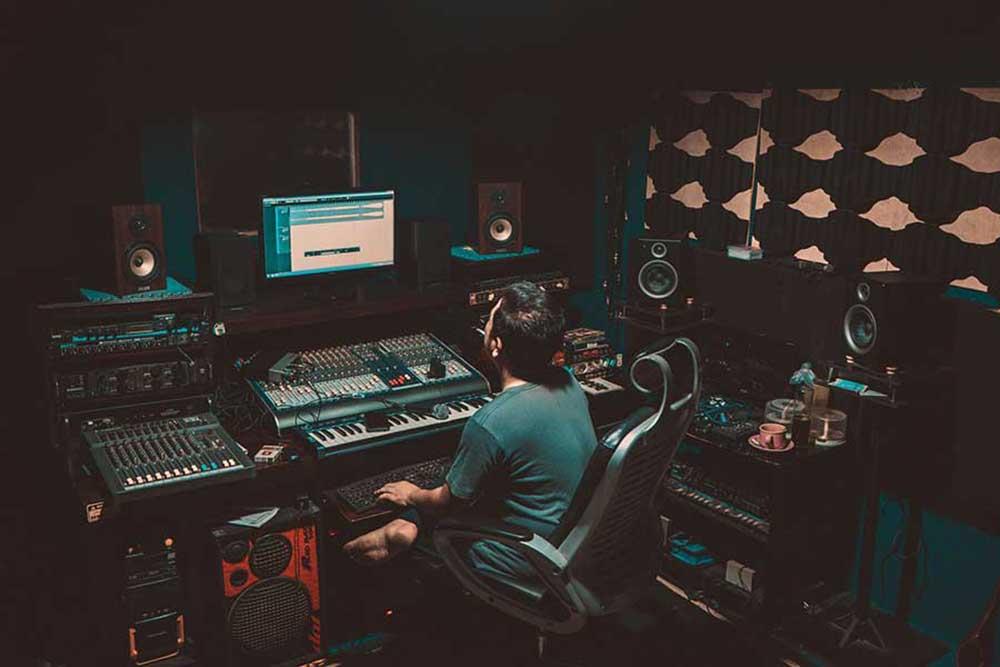 Home Recording Studio Setup Essential Equipment For Recording Music