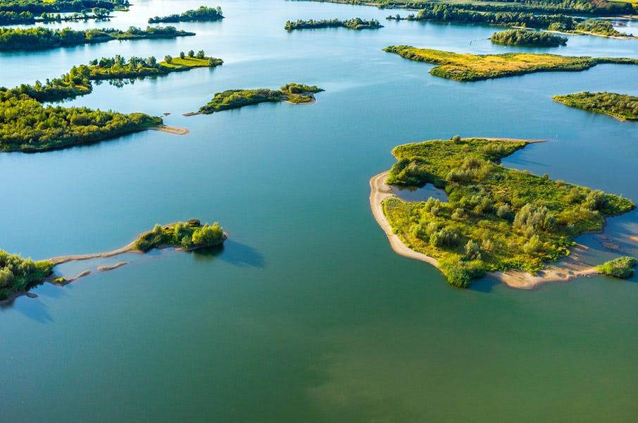Photographie aérienne du lac