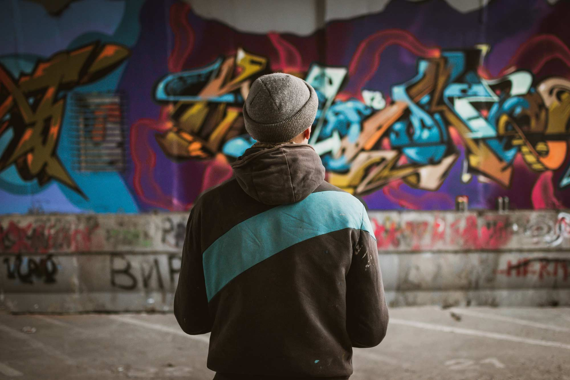How to use graffiti art to improve your street photography