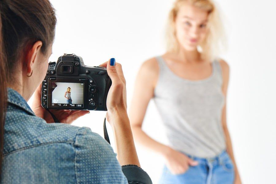 Photographer framing model