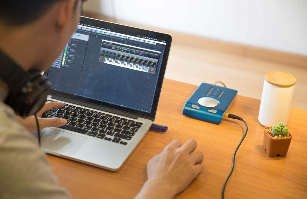 Best Laptops for Music Production - Adorama Learning Center