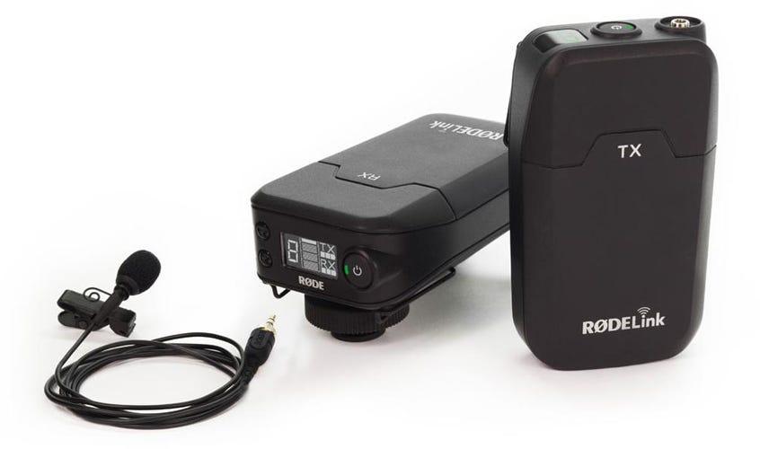 RODELink डिजिटल वायरलेस सिस्टम सफेद पृष्ठभूमि पर lavalier mic के साथ