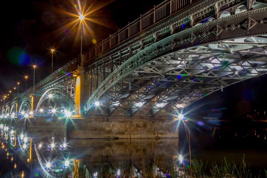 Filtro de lente de cámara de efectos especiales estrella de 8 puntos que se utiliza para capturar la foto nocturna del puente