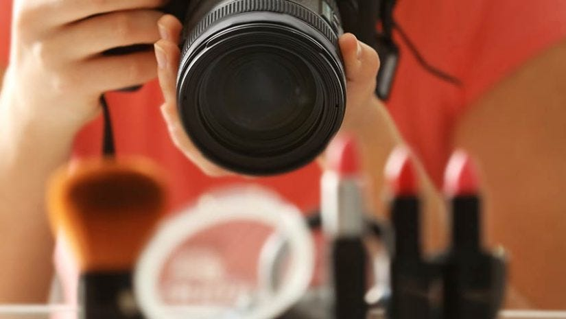 7 Best Lenses for Product Photography - ALC