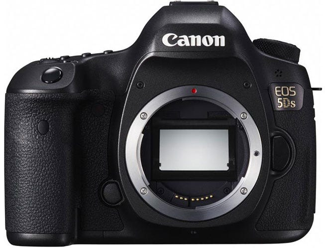 the Canon EOS 5DS best DSLR for wedding photography