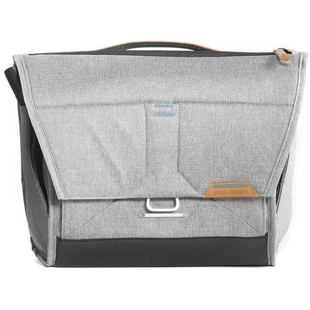 7c54c56b9fcb Peak Design Everyday Messenger Bag for Up to 13