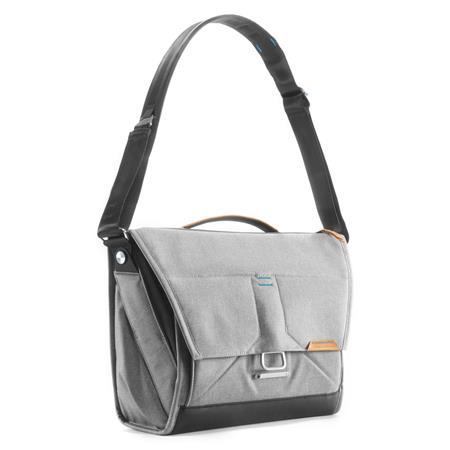 3698087ccd84 Peak Design Everyday Messenger Bag V2 for 13