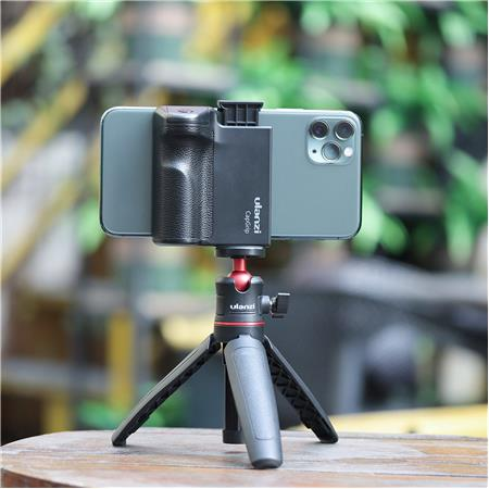 ULANZI CapGrip Smartphone Camera Shutter Remote Handle Grip with Detachable Wireless Remote Control for iPhone Samsung Google OnePlus Phones Video//Photo Shooting