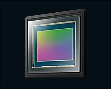 New High-Definition, High-Sensitivity 1.0-type 15M MOS Sensor