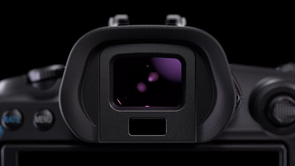 0.5-Type OLED EVF With Approx. 5.76 Million Dots.