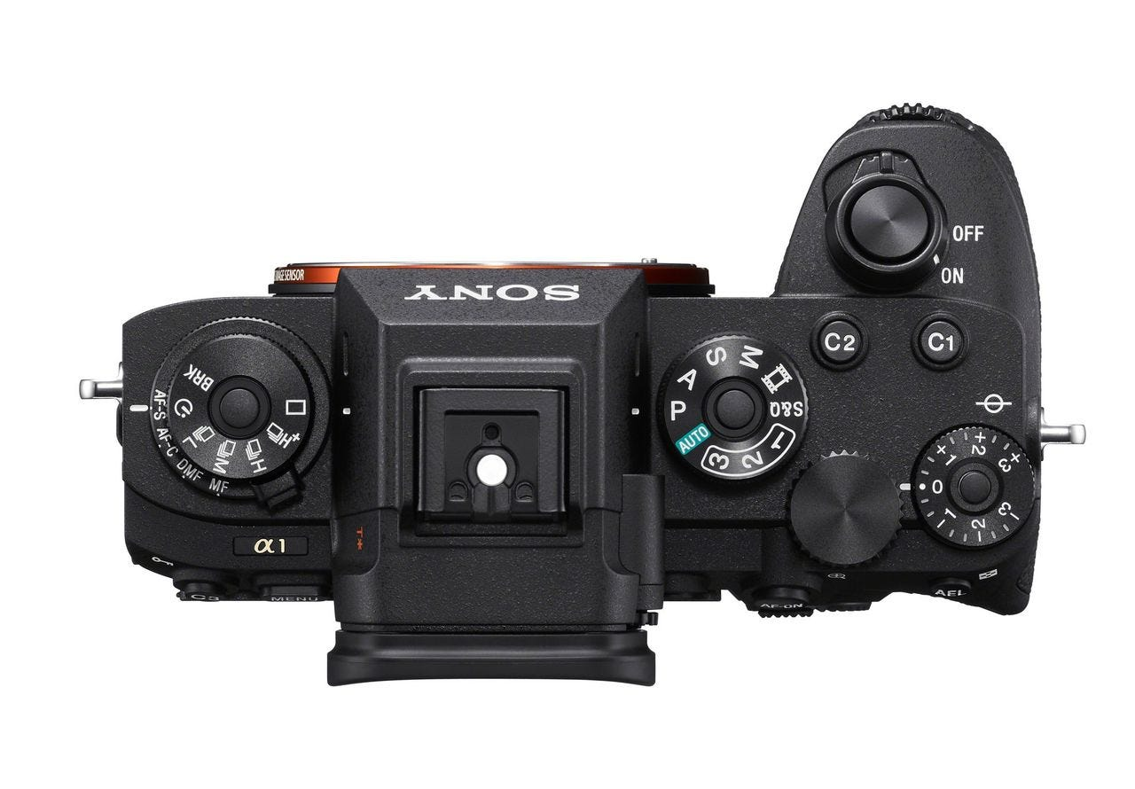 Continuous Shooting Up To 30fps With 120AF/AE Calculations Per Sec.