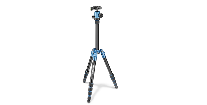 The Manfrotto Element Traveler Small tripod kit