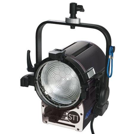 Arri True Blue ST1 Studio 1kW Fresnel, Hanging - Pole Operated (120-230VAC)