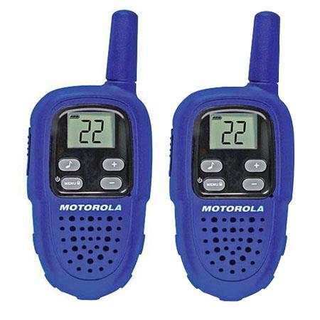 Motorola Talkabout FV300AAA Two Way Walkie Talkie Alkaline Radio Set, 10 Mile Range, 22 Channels